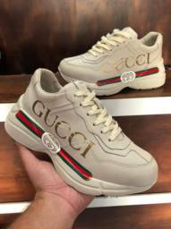 Título do anúncio: Tênis Gucci Rhyton Couro - 349,99