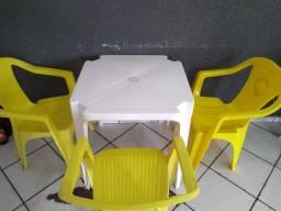 Título do anúncio: Vendo cadeiras de plásticos