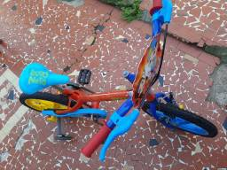 Bicicleta. Luccas Neto: aro 16.