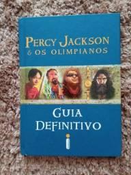 """Livro """"Percy Jackson e os Olimpianos GUIA DEFINITIVO"""""""