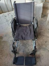 Título do anúncio: Cadeira de rodas em alumínio 46cm