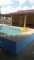 Alugo ótima casa com piscina