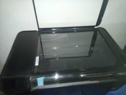 Vendo impressora Hp 4680 falta só carregar os cartuchos