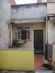 Meier, casa de vila 50 m², c/quarto, sala, coz, banh e área