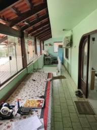 Vendo Casa de dois pisos com um Galpão em Gaspar ótima localização