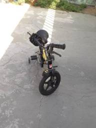 Bicicleta infantil do Batmam - R$ 160,00
