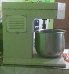 Batedeira industrial 10 kg