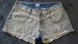 Short jeans em ótimo estado.