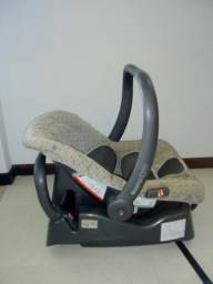 Bebê conforto Burigotto Touring com Base Adaptadora