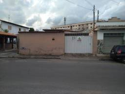 Casa para aluguel, 3 quartos, 2 vagas, Centro - Sete Lagoas/MG