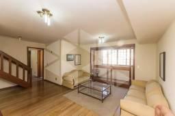 Apartamento para alugar com 3 dormitórios em , cod:I-020659