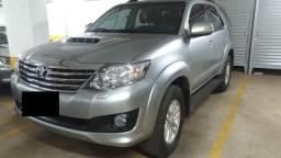 Toyota Hilux Sw4 - 7 Lugares - 2015/2015 - Srv D4-d 4x4 3.0 Tdi Dies. Aut - 2015