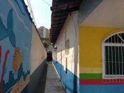 Alugo casa duplex (p fins comerciais) de esquina Praia da Costa