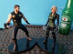 Estatueta Thor Viúva Negra