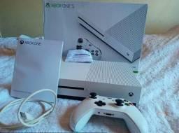 Xbox One S semi novo, na caixa + NF comprar usado  Guarapari