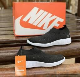 Tênis Nike meia slip com strass