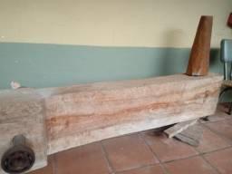 Monjolo em madeira maciça
