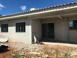 Linda Residência c/ 03 quartos, ótimo acabamento e amplo terreno no Jardim Paraíso !!!