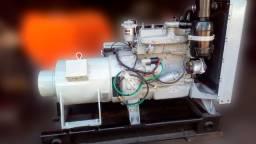 Gerador 32 kva - apenas 78h trabalhadas - diesel - 4cc