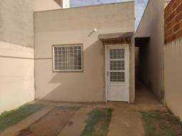 Casa já financiada na primeira avenida do Bairro Los Angeles