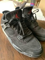 Air Jordan 4 tamanho 42 (calça 43 também)
