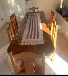 Título do anúncio: Mesa com 6 cadeiras de madeira maciça