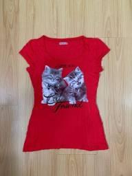camiseta colcci vermelha gatinhos