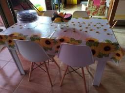 Cadeiras Charles eimes