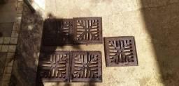 Ralo de Ferro Quadrado Antigo Com Porta Ralo Tenho 5