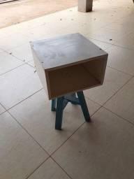Título do anúncio: Pequena mesa