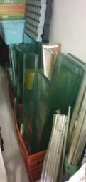 Título do anúncio: Prateleleiras de vidros