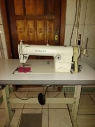 Título do anúncio: Máquina de costura Singer