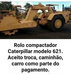 Rolo compactador modelo 621 ( Caterpillar)