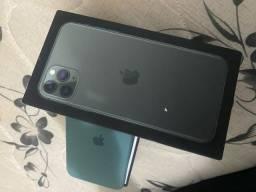 Título do anúncio: Vendo iphone 11 pró max 64 gb( sem defeitos  e sem arranhão )
