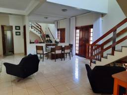 Título do anúncio: Sobrado com piscina 4 quartos sendo 3 suítes - Jardim Santa Marta - Cuiabá - MT