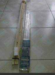 Persianas em PVC 25 mm, cor bege, medindo 1,40X1,30, 02 unidades novas nunca usadas