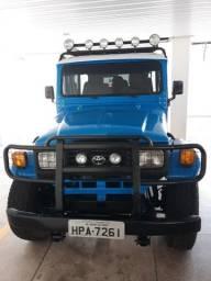 Toyota Bandeirante Jipe Curto 1998 Capota de Aço - 1998