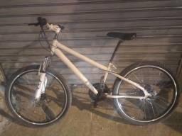 Bicicleta conservada aro 26