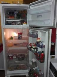 Vendo geladeira eletrolux foz freezer