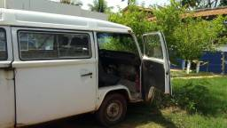Vendo Kombi 98/99 Gasolina - 1998