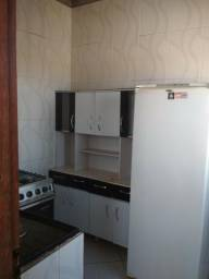 Alugo kitnet em NV Almeida mobiliada, valor 450,00 incluído água, luz e internet