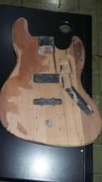 Luthier - Reforma de instrumentos musicasis na Musical Brother