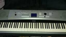 Lindo teclado PSR 520 sampliado com entrada pendrive