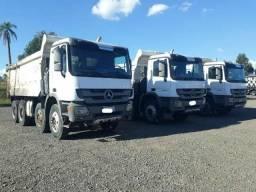 Caminhão Mercedes Actros 4844 caçamba basculante 2011 - 2011
