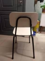 4 Cadeiras escolares retrô