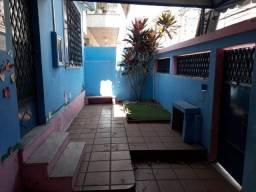 Casa para fins comercias em vila valqueire na rua das dálias 71