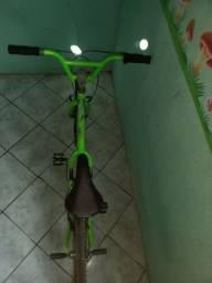 Bike de pulo semi nova