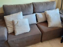 Sofá reclinável acompanha  4 almofadas . Ótimo estado de conservação