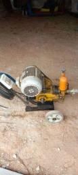 Título do anúncio: Lavadora Industrial J500 3 Pistões 45L/Mim 500 PSI 4 CV Jacto