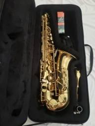 Saxofone Alto Conn Selmer Prelude AS710